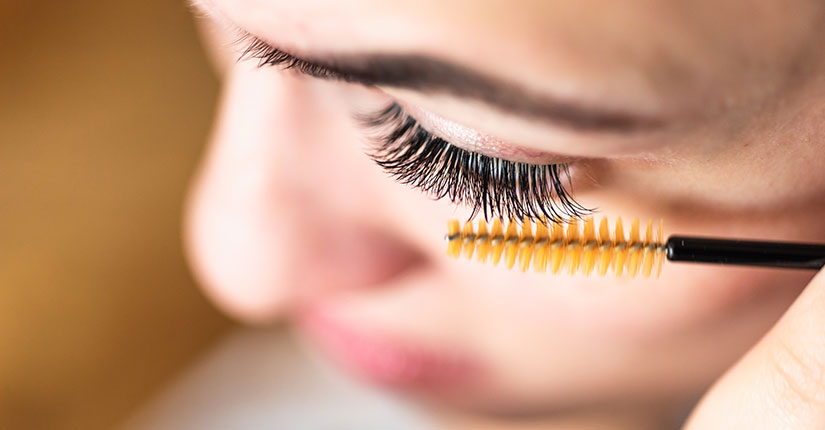 Natural Home Remedies to Get Thicker and Longer Eyelashes