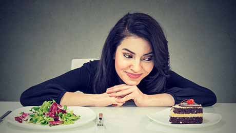 Nutritionist Nmami Agarwal Gives 5 Tips To Control Your Food Choices