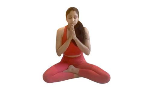 Core Yoga Burn with @avni.talsania