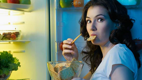 Will eating at night cause weight gain?