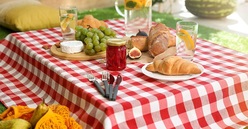 Pack up a Picnic at Home: 6 Healthy Food Swaps for Perfect Picnic at Home