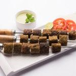 Appetizing Papaya Kebabs With Plum Dip